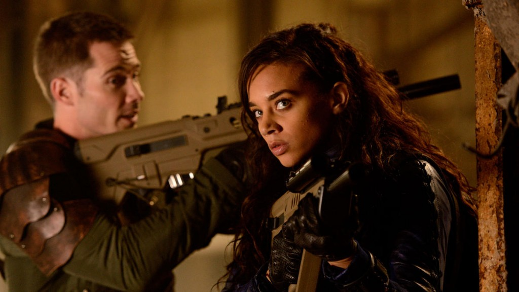 syfy-killjoys-luke-macfarlane-and-hannah-john-kamen